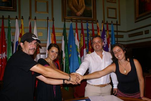El Ayuntamiento de Motril firma un convenio de colaboración con la Asociación Juvenil y Cultural Calíope