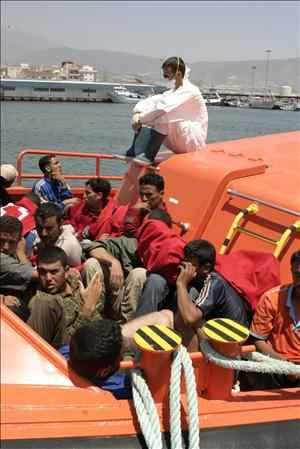 Andalucía Acoge denuncia el procedimiento que se utiliza para identificar la edad de los jóvenes inmigrantes
