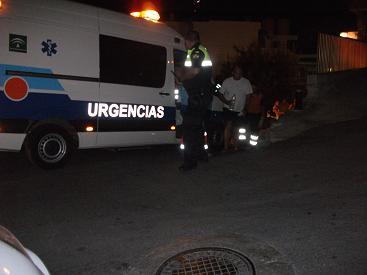 Muere un conductor al colisionar su coche contra un árbol en La Herradura