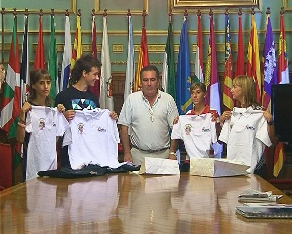Los atletas motrileños recibidos en Ayuntamiento de Motril