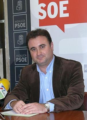 El Grupo Municipal Socialista acusa al Gobierno del PP y el PSI de no pagar las facturas a proveedores desde el año 2005
