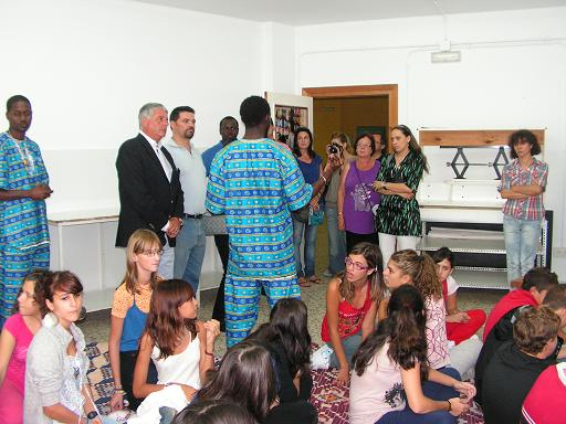Exposición de Voces Modeu Modeu en Salobreña