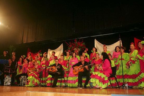 Cinco coros rocieros procedentes de Castell de Ferro, Motril, Salobreña, Nerja y La Herradura en la noche flamenca
