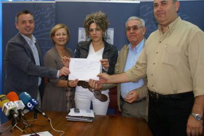 El Ayuntamiento de Motril muestra su total apoyo a Carolina