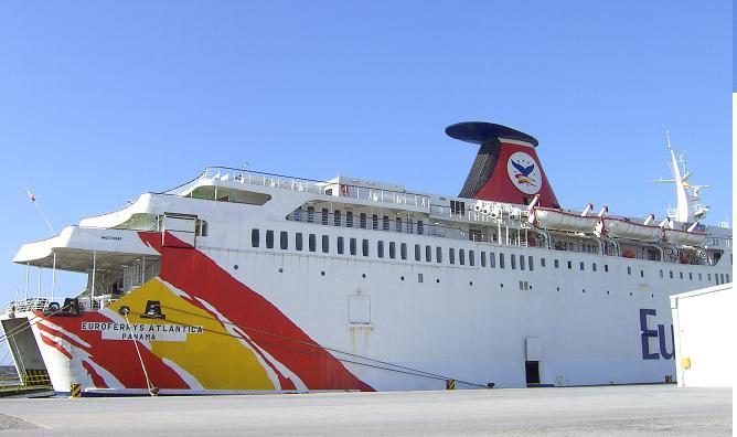 La Autoridad Portuaria abre expediente informativo para investigar las causas del choque de barcos