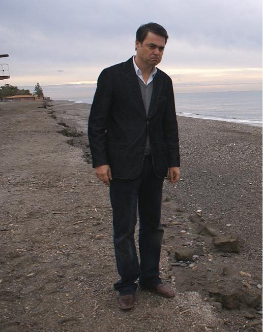 Carlos Rojas reclama espigones para la playa motrileña