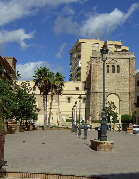 El entorno de la Iglesia de la Encarnación se rehabilita al cumplirse 500 años de su construcción