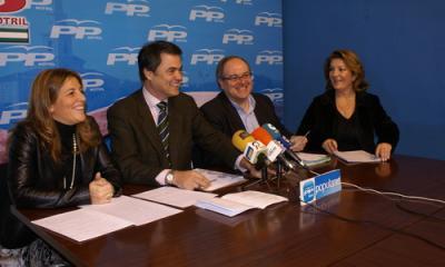 El presidente del PP de Motril y parlamentarios andaluces valoran los presupuestos de la Junta