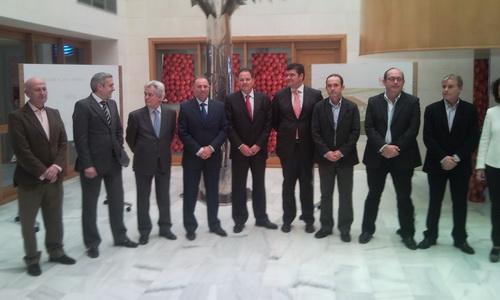 El presidente de CajaGRANADA visita la Cooperativa 'Granada La Palma'
