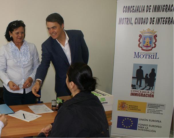 Carlos Rojas recibe a la Cónsul de Rumanía, Mónica Stribu