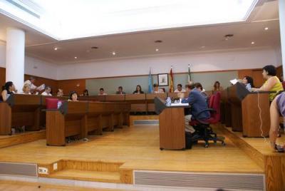 """Motril aprueba unos presupuestos """"responsables y austeros"""" acordes con la realidad municipal"""