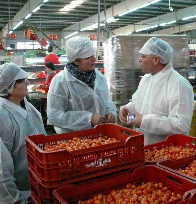 Flor Almón destaca la preocupación de la cooperativa La Palma por ofrecer productos innovadores y de alta calidad