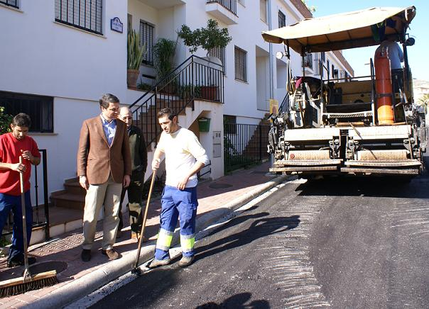 El Ayuntamiento de Motril acomete trabajos de rehabilitación integral de la zona norte del barrio de Las Angustias