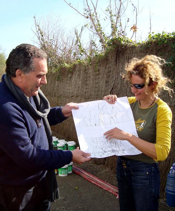 La Escuela de Arte minimiza el impacto visual de las naves colindantes con la Charca