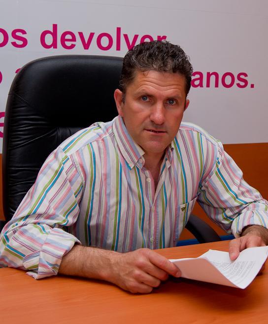 """UPyD denuncia """"el despilfarro"""" de los partidos políticos de Motril en su precampaña electoral"""