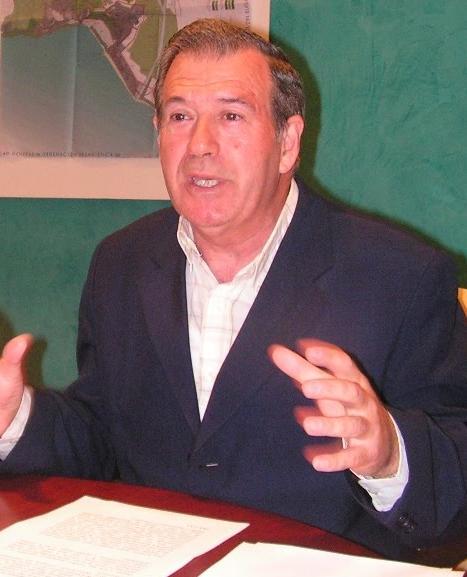 PEREZ COBOS (PSI) ACUSA A LA DIPUTACIÓN DE NO  LLEVAR A CABO EL ASFALTADO DE 20 CALLES DE SALOBREÑA APROBADADO DESDE ENERO
