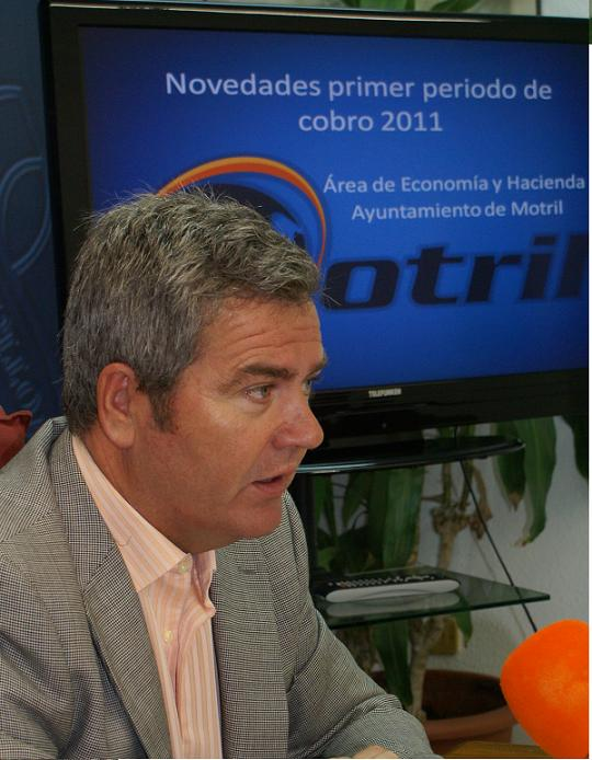 """Los motrileños podrán abonar el impuesto sobre vehículos de tracción mecánica """"sin colas ni esperas"""""""