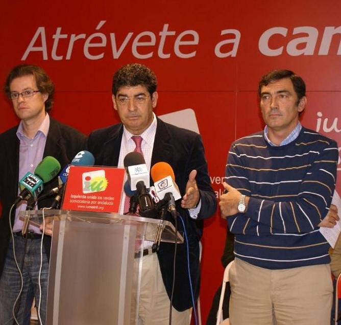 Valderas (IU) pide cambiar la política de cooperación respecto a la inmigración