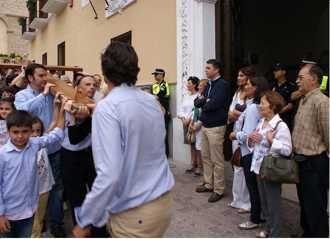 La Cruz de Juan Pablo II peregrinó ayer por las calles de Motril
