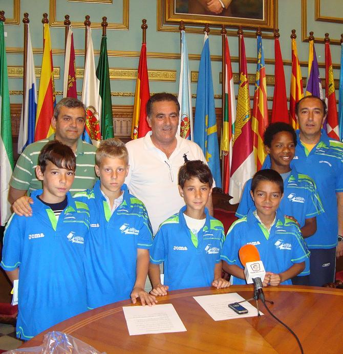 Los alumnos del Mariana Pineda serán nuestros representantes en la final nacional de Jugando al Atletismo