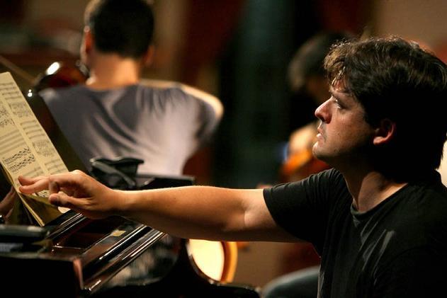 Juan Carlos Garvayo actúa este sábado en el Teatro Calderón de la Barca de Motril a beneficio de Proyecto Hombre