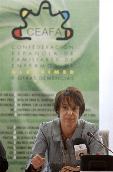 La directora general del IMSERSO inaugura la Escuela de Verano Bienestar 2011 en Almuñécar