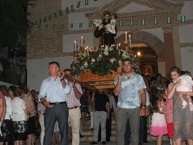 LA PROCESIÓN DE SAN ANTONIO DE LOBRES, PRIMER ACTO INSTITUCIONAL DEL NUEVO ALCALDE DE SALOBREÑA
