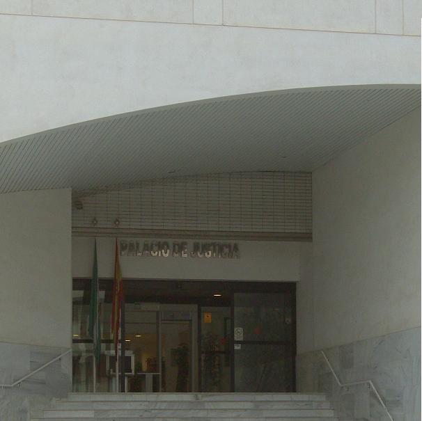 Condenados a seis meses de cárcel por provocar un incendio en Almuñécar