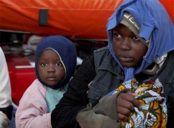 Desaparecidos en Motril un bebé y seis adultos que viajaban en una patera