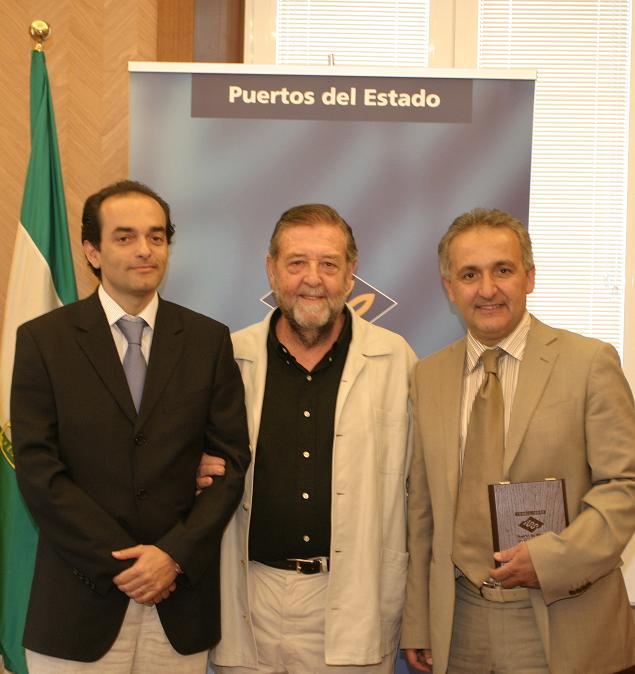 Un diplomático de la embajada de Marruecos en España visita el Puerto de Motril y sus instalaciones