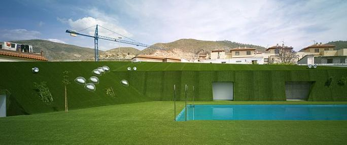 El PP de Salobreña critica al actual concejal delegado de Lobres por el estado de la piscina