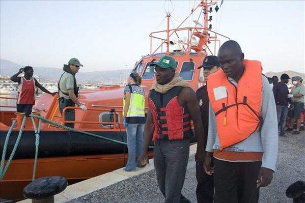 Más de 1.246 inmigrantes llegan en pateras a las costas andaluzas durante el año 2011