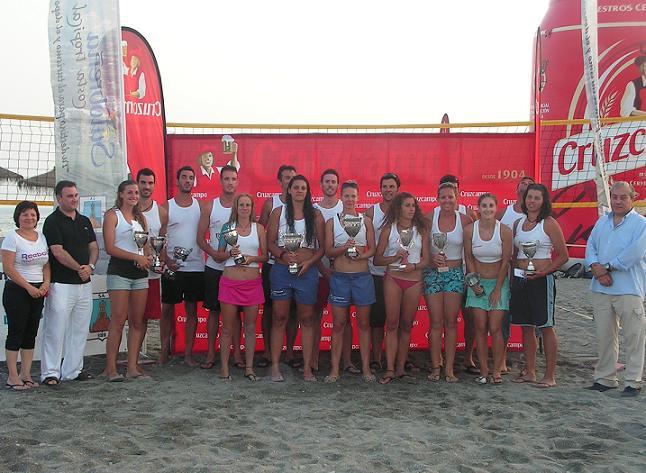 Ángel Jaldo-Dani López y Kristyna Nemcova-Sheila D'amaro se hacen con el torneo Cruzcampo de Deportes Playa celebrado en Salobreña