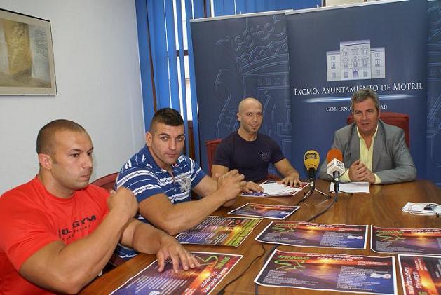 """El Ayuntamiento de Motril y Bull Gym celebran una maratón benéfica de spinning a favor de la Asociación de Fibromialgia """"Agrafim"""""""
