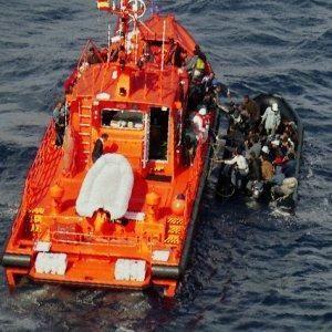 Interceptada al sur de Motril una patera con siete hombres de origen magrebí a bordo