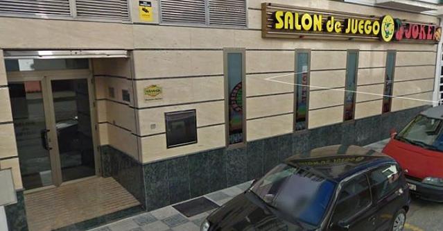 La Policía Local de Salobreña evita que 4 atracadores saqueen un salón de juegos