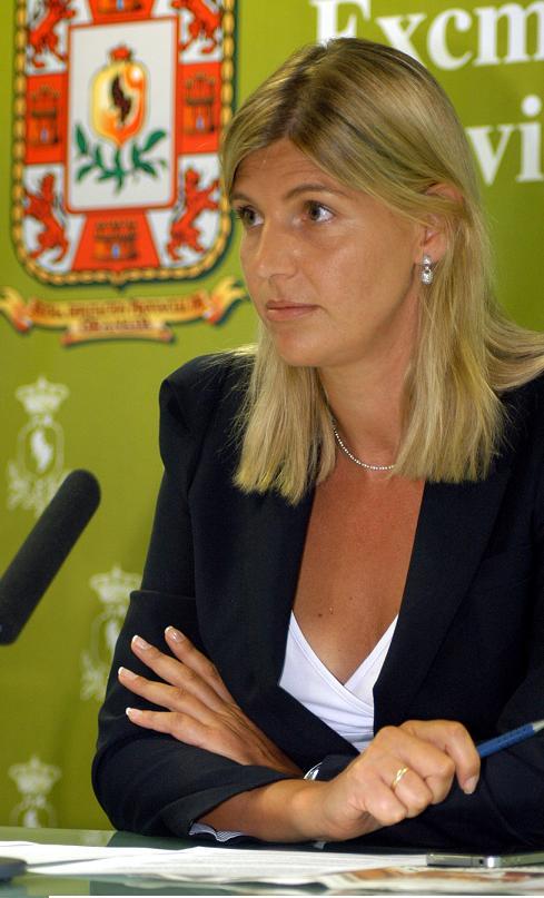 La Diputación no podrá hacer frente a muchos planes provinciales en un lustro al encontrarse una deuda de 50 millones de euros