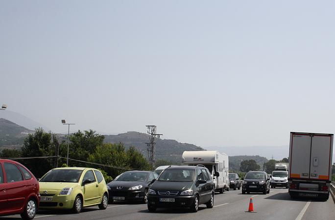 Saturación del tráfico rodado en al CN 340 a la altura de Salobreña
