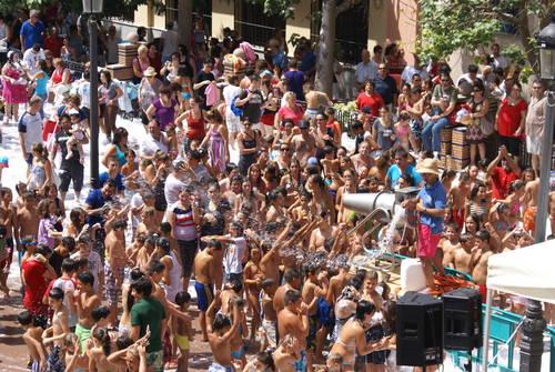 Los alumnos del Curso Monitor de Campamentos y Tiempo libre participan en la Feria de Motril