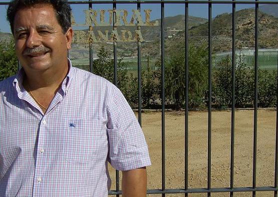 El centro La Nacla- Puntalón de Motril intenta alargar la producción de chirimoya hasta 9 meses