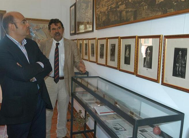 Sebastián Pérez visita las obras de construcción de 20 viviendas de VPO en Órgiva