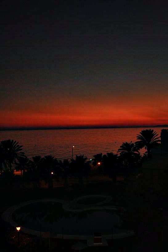 La puesta de sol de hoy en Salobreña