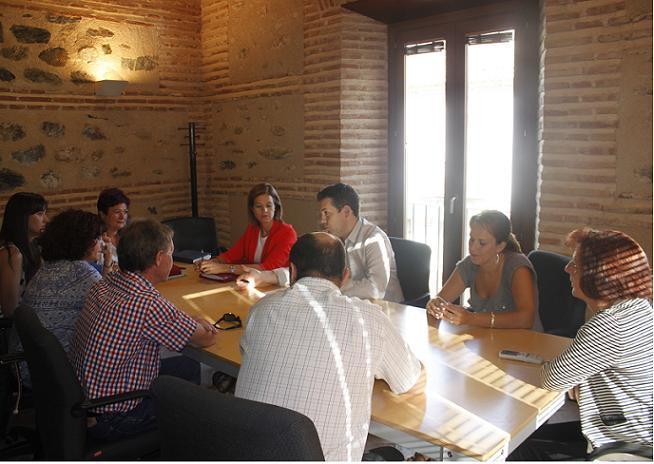 El equipo de gobierno de Órgiva se reúne con los representantes del PSOE de la Diputación