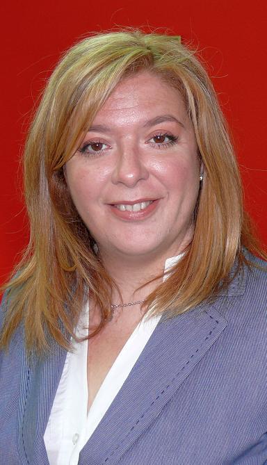 Flor Almón anima a los empresarios del sector turístico y comercial de Motril a acogerse a las ayudas de entre 6.000 y 2 millones de euros creadas por la Junta