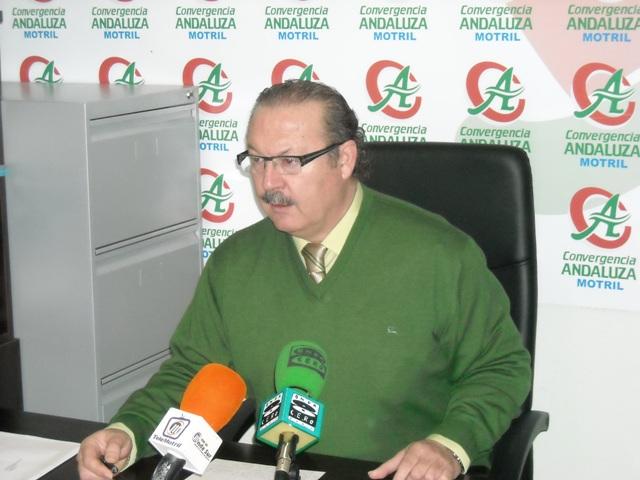 Luis Rubiales (CA) se interesa por la situación de Protección Civil de Motril