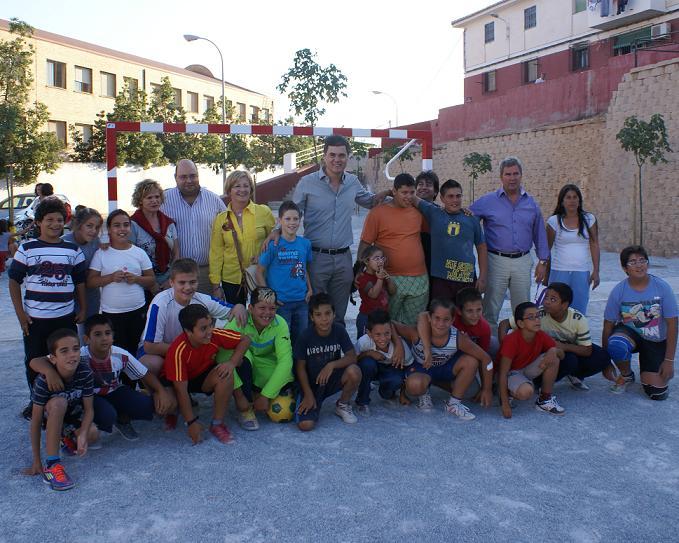 Un niño del barrio de San Antonio le pidió al alcalde una campo de fútbol y hoy se ha inaugurado