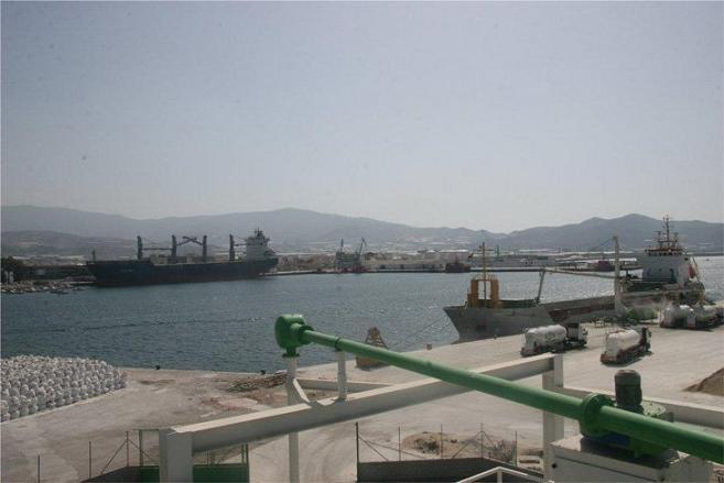 Sin identificar el hombre aparecido muerto el domingo en el puerto de Motril (Granada), que llevaba 20 días en el agua