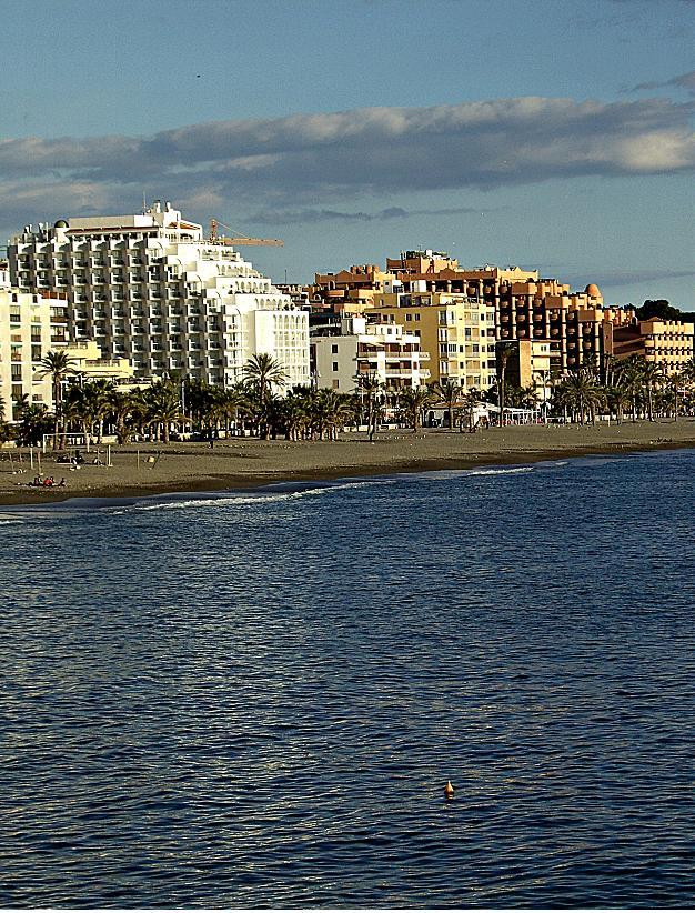 Almuñécar financiará el transfer desde Málaga a los turistas rusos de Natalie Tours