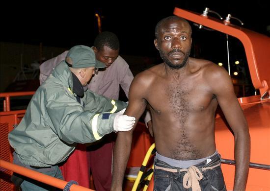 Llegan a Motril en patera 51 inmigrantes subsaharianos