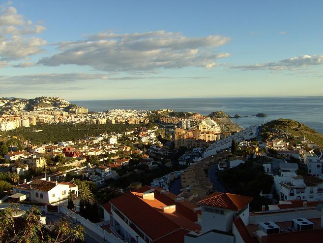 El ayuntamiento de Almuñécar desarrolla el acuerdo alcanzado con la Residencia Costa Tropical